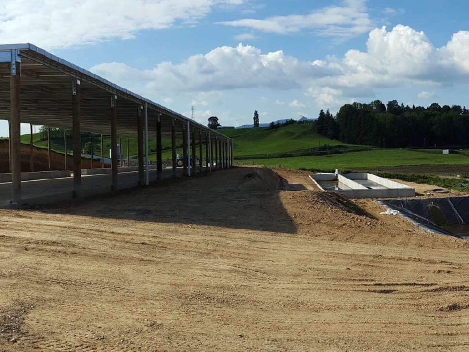 #2 LEWIS FAMILY – COVERED FEEDPAD, SILAGE BUNKERS AND WEEPING WALL