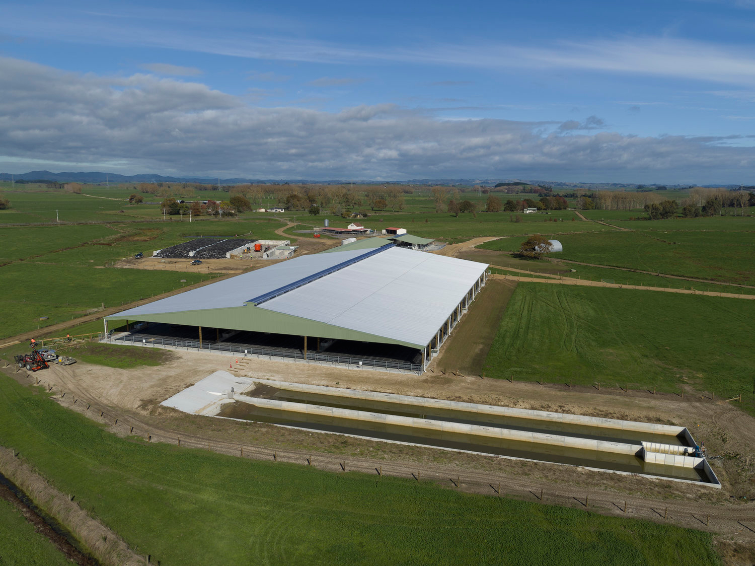 # 8 SIMPSON FARMS – ALL UNDER ONE ROOF